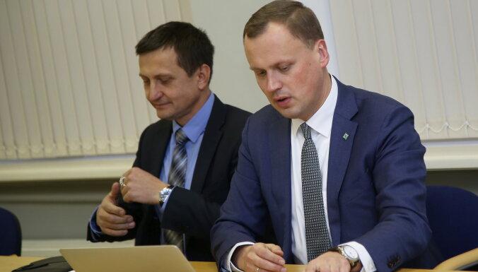 ZZS līderi kritizē Pūci par 'demokrātijas neievērošanu'