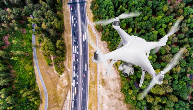 Полиция начала ловить агрессивных водителей с помощью дрона