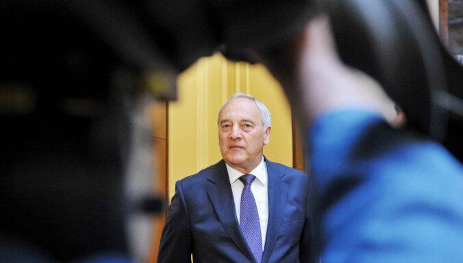 Газета: Экс-президент Берзиньш может повлиять на результаты выборов в Риге