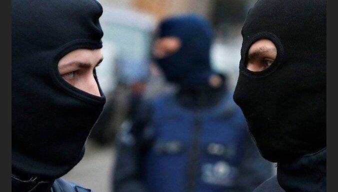 Полиция в Брюсселе водометами разогнала противников локдауна