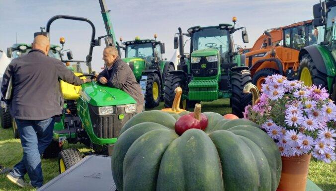 Rāmavā sākusies izstāde 'Lauksaimniecības un meža tehnika 2020'
