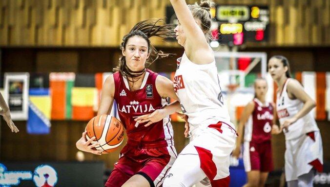 Latvijas U-18 basketbolistes Eiropas čempionāta ceturtdaļfinālā zaudē Krievijai