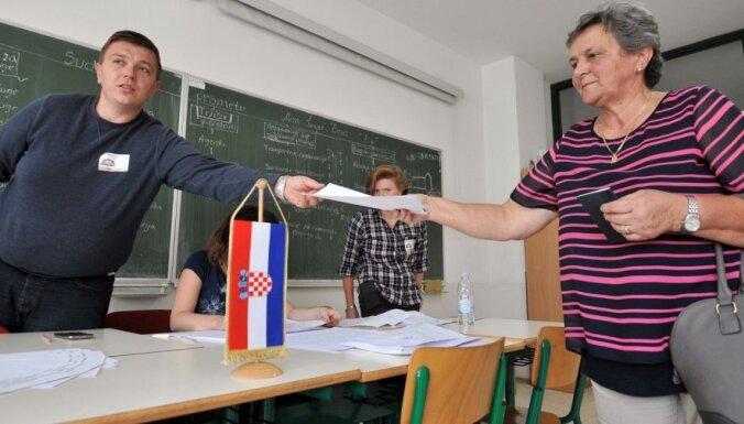 Aptauja: Horvātijas parlamenta pirmstermiņa vēlēšanās nav skaidra uzvarētāja