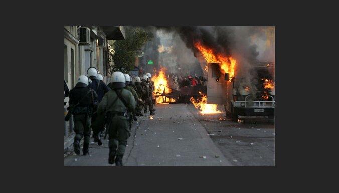Уличная война в Греции продолжается
