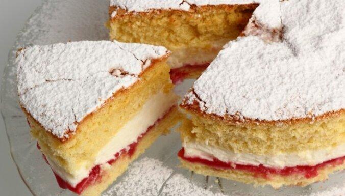 Невероятно вкусно: бисквит Королевы Виктории с кремом из Маскарпоне и чайным сиропом