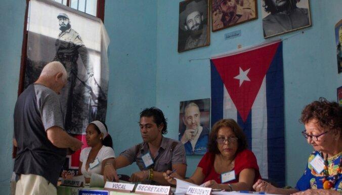 Kubieši referendumā atbalsta jauno konstitūciju