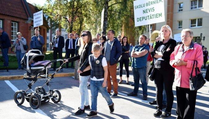 Strīds par jauno skolu: Darba grupa vērtēs visa Ķekavas novada izglītības infrastruktūru
