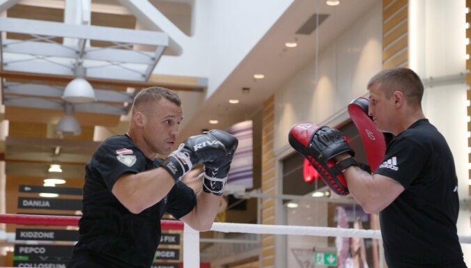 Briedis: nekur boksa cīņās nav tik labs atbalsts kā Latvijā