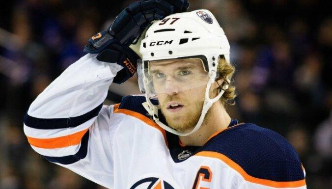 'Oilers' uzbrucējs Makdeivids labojis 32 gadus vecu NHL rekordu