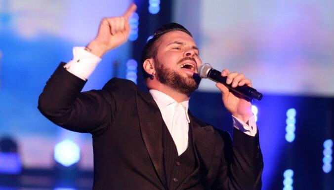 Интар Бусулис спел на юбилейном концерте Аллы Пугачевой