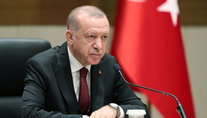 """Эрдоган заявил о готовности поговорить с Россией по Сирии """"без гнева"""""""