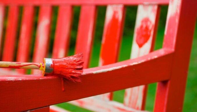 Zelta vērti padomi dārza mēbeļu krāsošanā