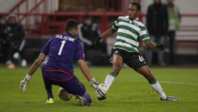Sporting Gelson Martins scores Lokomotiv keeper Guilherme