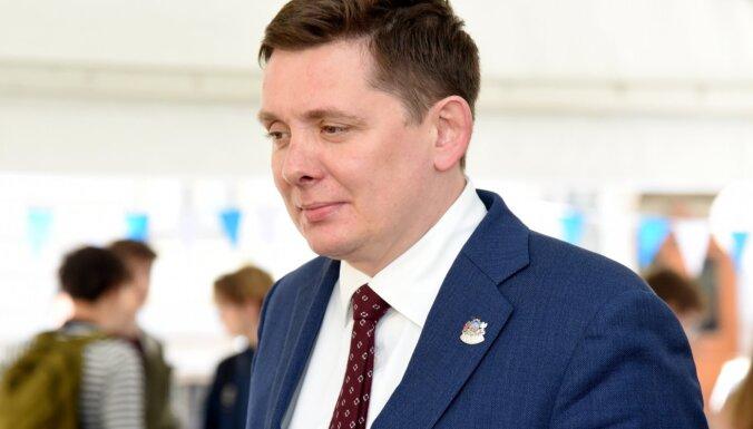 Līderi iezīmējas jau pirmajā NEPLP kandidātu iztaujāšanā Saeimas komisijā