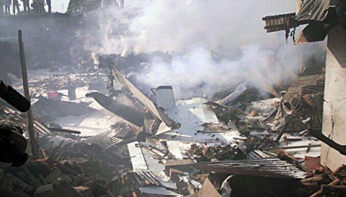Крушение самолета в Конго: погибли 32 человека