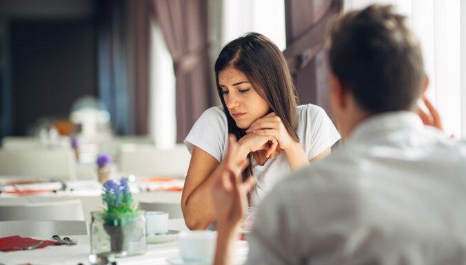 Iemācies atpazīt pirms ir par vēlu – pazīmes, kas liecina par emocionālo vardarbību attiecībās