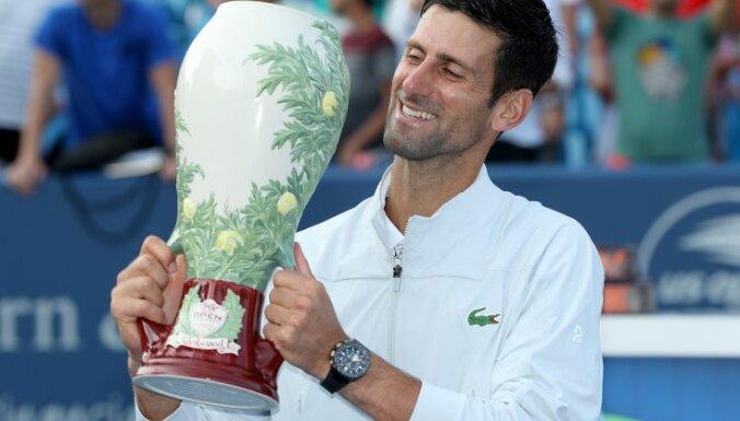 """Новак Джокович первым в истории тенниса выиграл все турниры """"Мастерс"""""""