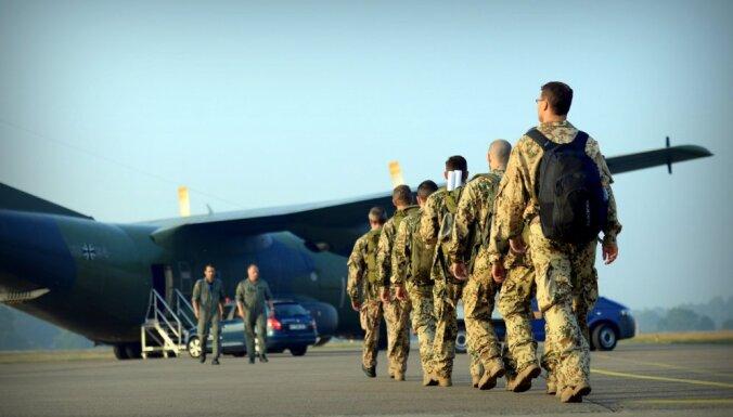 Latvija ar 34 karavīru lielu vienību plāno piedalīties NATO misijā Irākā