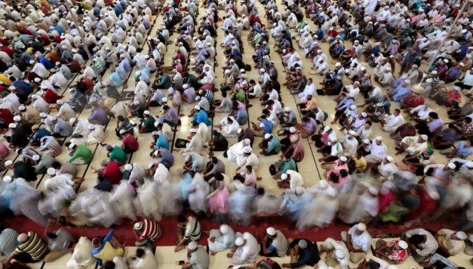 Bangladešā policija aiztur 900 radikālos islāmistus