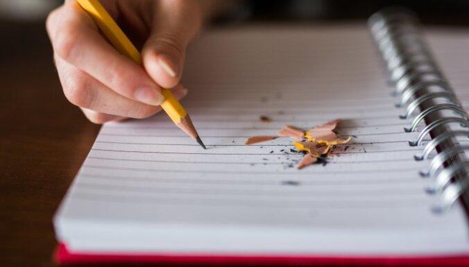 Uzziņa: Vidusskolas beidzēju eksāmenu norises kārtība