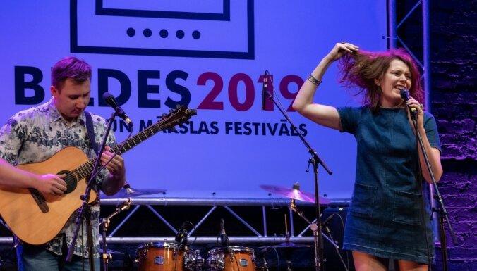 Foto: Ar blūza koncertu atklāts festivāls 'Bildes'