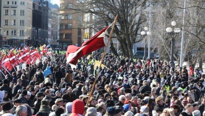 Марши, пикеты, потасовки: как в Латвии отмечали 16 марта
