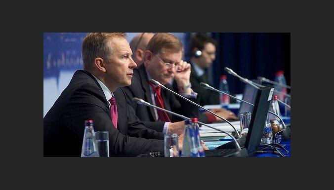 Римшевич: Латвии нельзя отказываться от перехода на евро