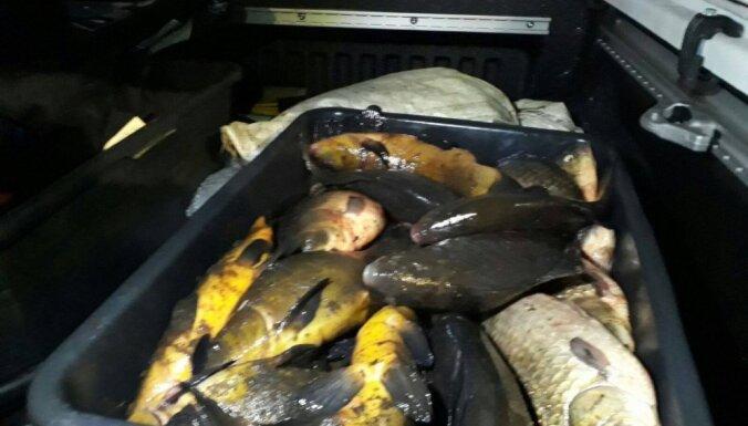 Policija otro reizi nedēļas laikā Babītes ezerā pieķer divus maluzvejniekus