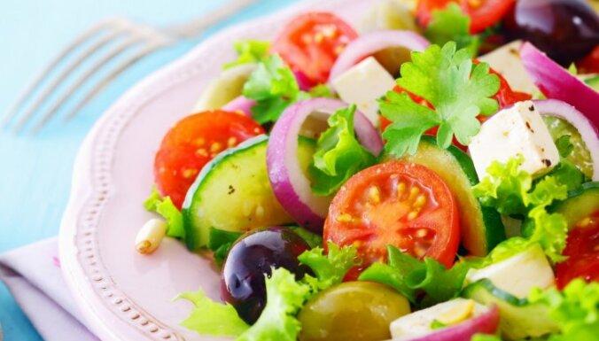 Salāti negaidītiem ciemiņiem. Astoņas ātri pagatavojamas receptes