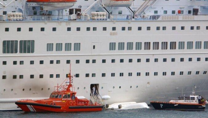 На Канарских островах с лайнера сорвалась шлюпка: пятеро погибших