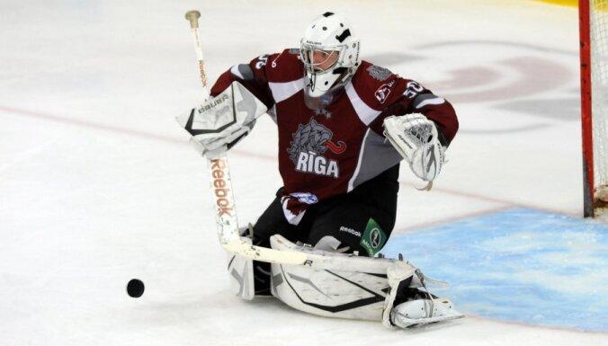 "Хоккеисты ""Риги"" по буллитам одолели канадский клуб"