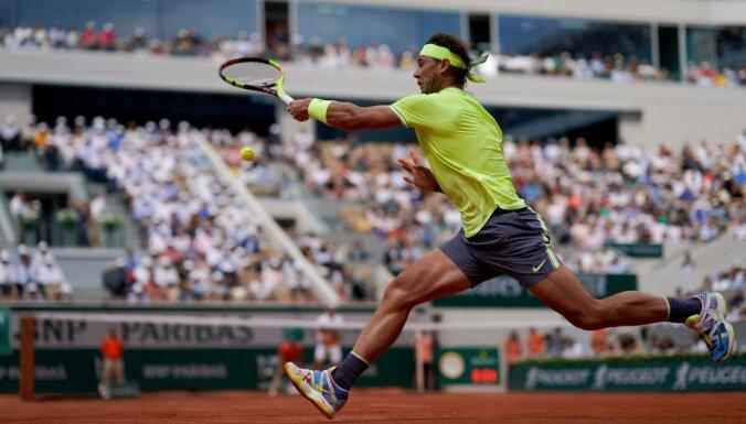 Nadals ar komfortablu uzvaru iekļūst ASV atklātā čempionāta astotdaļfinālā