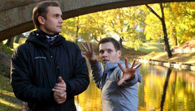 Foto: Rīgā satiekas divi Pēri Ginti un divas Solveigas
