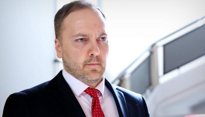 Гиргенс: государство не помогает наводить порядок в МВД, премьер не хочет меня видеть
