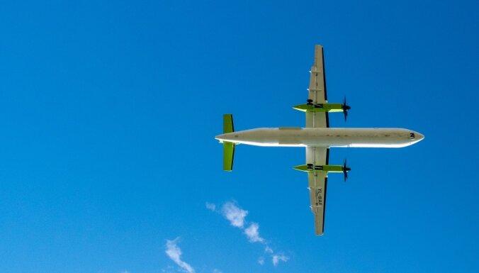 Самолет airBaltic, летевший из Львова в Ригу, по оперативным причинам развернули в Палангу