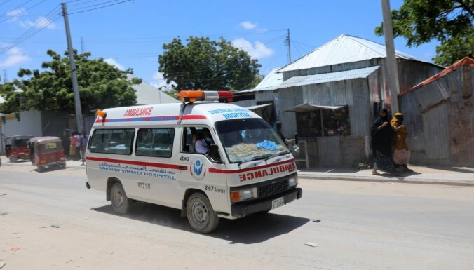 Uzbrukumā pie Somālijas armijas bāzes nogalināti vairāki cilvēki