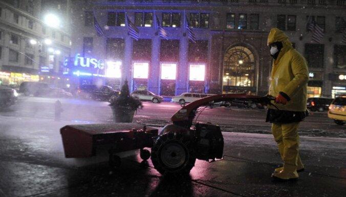 США и Канаду накрыла снежная буря: Нью-Йорк парализован, 500 000 без света