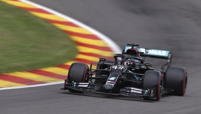 'Mercedes' piloti ātrākie Beļģijas 'Grand Prix' kvalifikācijā