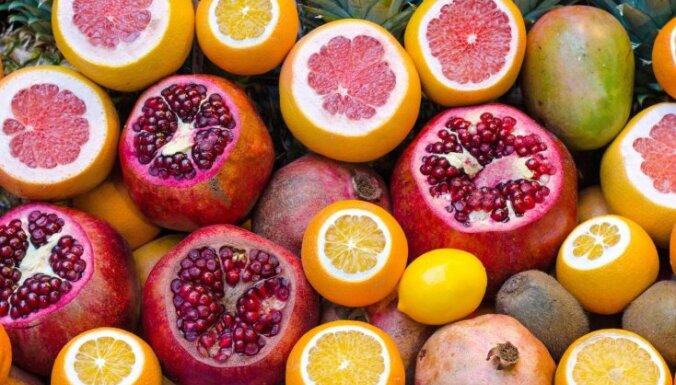 Augļi un svaigi spiestas sulas – vai tiešām tik veselīgi, kā varētu šķist?