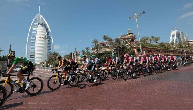 Liepiņš finišē 13. vietā 'UAE Tour' sestajā posmā
