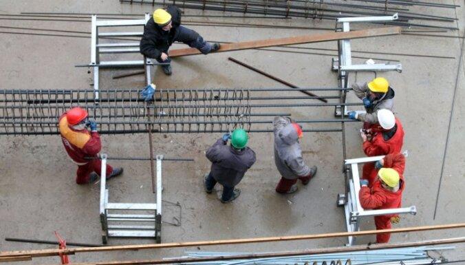 Латвия ужесточит меры по борьбе с рабочими-нелегалами