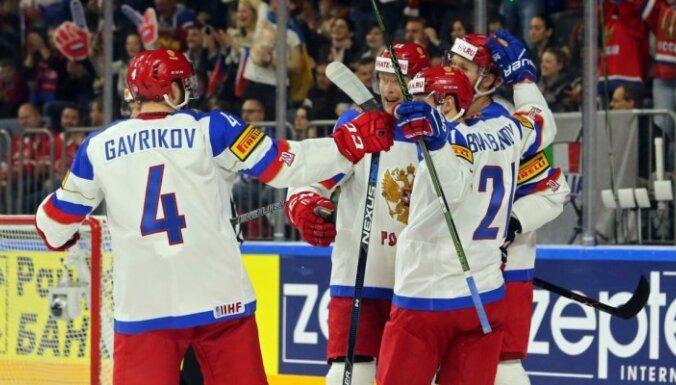 ФОТО: Россияне и канадцы забросили сообща 17 шайб и первый хет-трик на ЧМ