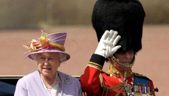 Par godu karalienes Elizabetes 60 gadu valdīšanai iedegs ugunis Lielbritānijas augstākajās virsotnēs