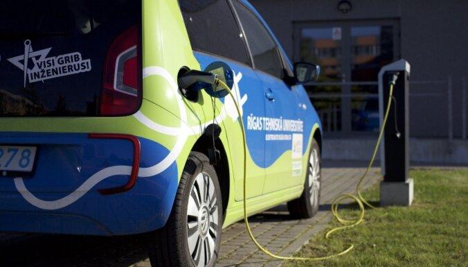 RTU zinātnieki meklē plašāku pielietojumu elektromobiļiem – tie der ne tikai braukšanai