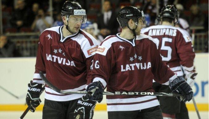 В равной борьбе хоккеисты Латвии уступили России