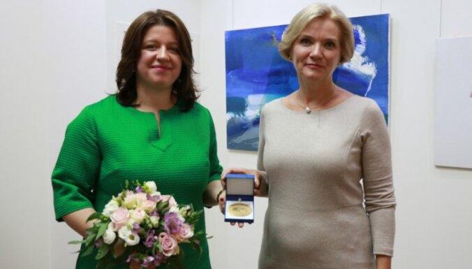 Foto: 'Iespējamā misija' saņem Eiropas Pilsoņu balvu