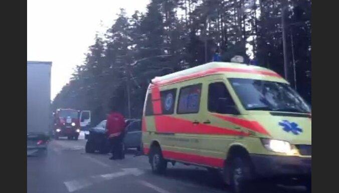 Traģiska avārija uz Tallinas šosejas (papildināts 17:35)