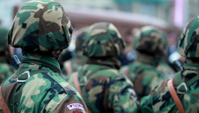 Командующий НВС: в армию берут отвергнутых ранее претендентов