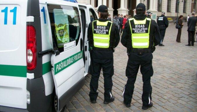 Иностранец пожаловался в полицию на навязчивую гостью