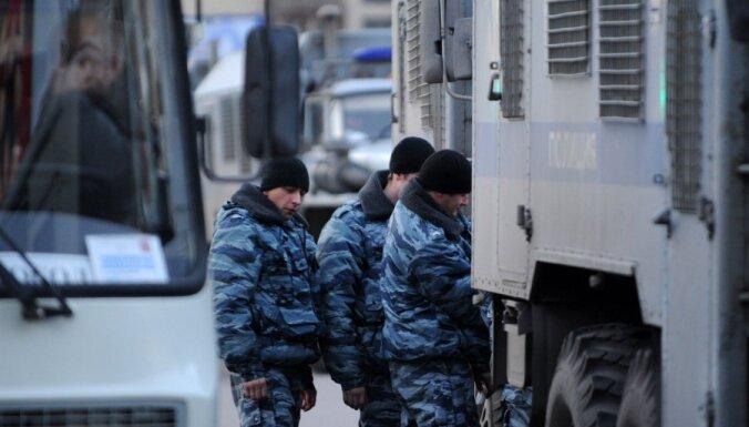 Apiet nakts sauso likumu, cīnās par kartingu Kandavā, Baltija stingra pret Krieviju